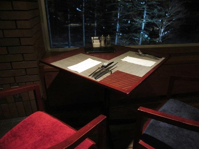 ニセコ ヒルトン 夕食 バイキング 2人用テーブル