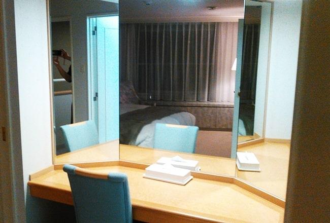 ルスツリゾート ウェスティンホテル 客室 口コミ 三面鏡 ブログ スキー場 寝室 ゲレンデ