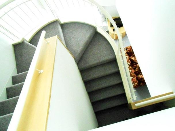 ルスツ ホテル 部屋 ブログ 階段