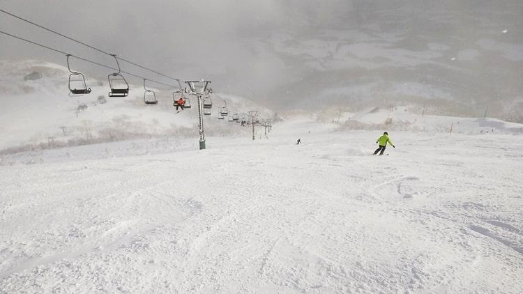 ニセコアンヌプリ国際スキー場 コース 急斜面 上級者 積雪 天気 リフト券割引 ホテル