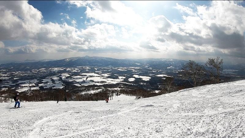 ニセコアンヌプリ国際スキー場 コース 景色 積雪 天気 リフト券割引 ホテル