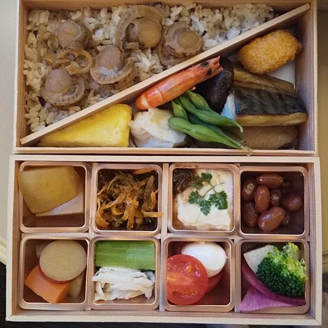 ルスツリゾート ホテルの食事 弁当 朝食 コロナ対策 和食